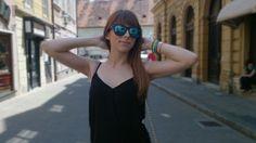http://djevojkaodmode.blogspot.com/2014/06/black-jumpsuit.html