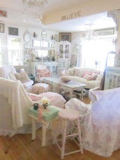 Shabby Chic: I would give anything to have a living room like this...but my Boston Terrier's hair would NEVER allow it, lol!