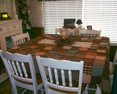 Homespun rag tablecloth in homespun fabric......never thought of this! Great idea!
