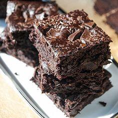 Diese Brownies sind wirklich der Hammer. Sie sind so lecker, dass ich immer gar nicht die geheime Zutat verraten mag, weil ich Angst habe, dass die Leute die Brownies dann nicht mehr essen möchten.…