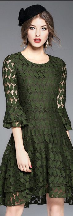 Green Flare Sleeves Leaf Lace Dress