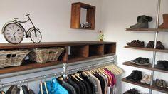 Garderobe met steigerbuis en steigerhout