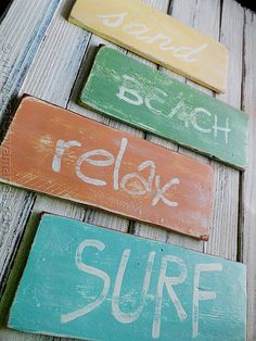 How to make weathered beach signs. If I get lucky and have a beach wedding this will be on a post pointing people to places like the bathrooms and what not :]