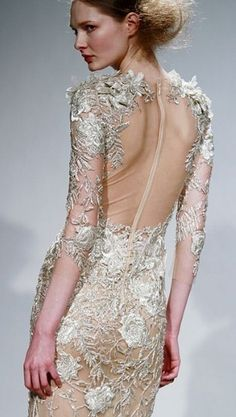 Backless lace dress - Wish I could figure out who the designer is.