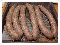 Csak a recept!: Májas-tüdős hurka. Charcuterie, Christmas Baking, Sausage, Bacon, Homemade, Meat, Food, Home Made, Sausages