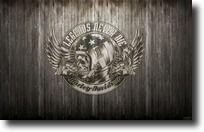 Fond d'écran Harley-Davidson casque moto, crâne, nombre #1, ailes aigle, noir et blanc