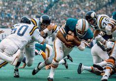 Super Bowl IV: Miami d. 1972 Miami Dolphins, Nfl Dolphins, Dolphins Cheerleaders, Nfl Photos, Football Photos, Nfl Football Players, Football Helmets, Baseball Jerseys, Equipo Minnesota Vikings
