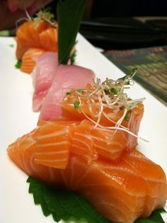 With the exception of California rolls and other cooked items, sushi should be avoided when you're expecting. It may contain illness-inducing parasites. #babyQ #Sushi #Sashimi