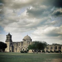 San José—the largest and most impressive of the San Antonio Missions—has evolved not only into a historic monument but well-preserved component of modern, local life.
