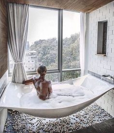 suspended bathtub  My GOD. IF I COULD BEEEEEEE SO LUCKY one day