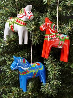 Valkommen til Little Sweden USA; the leading Swedish store in the US specializing in Scandinavian gifts of all kinds! Horse Christmas Ornament, Christmas Horses, Country Christmas, Christmas Crafts, Christmas Holiday, Christmas Ideas, Scandinavian Christmas Decorations, Scandinavian Folk Art, Festival Decorations