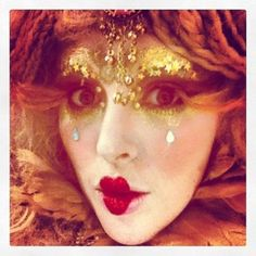 lucent dossier makeup