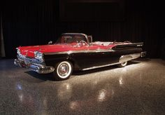 1959 FORD SUNLINER CONVERTIBLE