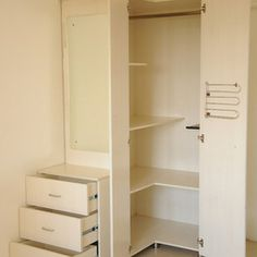 contemporary closet by Uday Decor