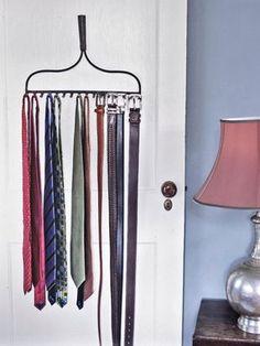 DIY Tie Rack