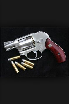 "Smith and Wesson. Model 638 ""J"" Frame Airweight in .38 cal. aka: ""Snub Nose"". I carried one of these as a backup weapon when working investigations. WFH."