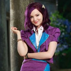 Mal I love this pic Descendants Pictures, Descendants Wicked World, Descendants Characters, Disney Channel Descendants, Descendants Costumes, Disney Descendants 3, Descendants Cast, Disney Channel Stars, Disney Characters