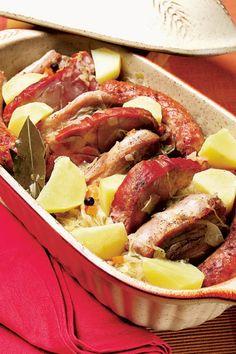 Mâncare ardelenească Pork Recipes, Chicken Recipes, Romanian Food, Romanian Recipes, Food Categories, Pot Roast, I Foods, Bacon, Good Food