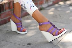 Colorblocked purple and white via vivaluxury. Love those shoes and paint splattered white jeans.