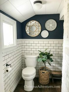 navy Bathroom Decor Benjamin Moore Hale Navy: The Best Navy Blue Paint Color Navy Paint Colors, Dark Colors, Color Blue, Hale Navy Benjamin Moore, Navy Blue Bathrooms, Navy Blue Bathroom Decor, Blue Bathroom Paint, Lavender Bathroom, Blue Bedroom