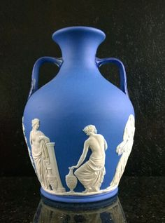 Vintage Wedgwood Large Portland Vase Please Visit the Toeslam Store now on line at https://drive.google.com/file/d/0B_3emF5qfHVHTmhDN3p6UUJCYjg/view?usp=sharing Thank You