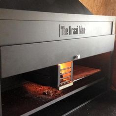 1200 Built-in 'The Braai Man' braai in mild steel. An elegant and stylish feature for any kitchen or entertaining area. Built In Braai, Welding Projects, Make Design, Kirchen, Building Materials, Cladding, About Uk, Stuff To Do