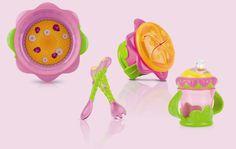 Porta la tua piccola nel magico mondo dei fiori, grazie ai prodotti della linea FlowerChild di Nûby!  Ogni prodotto delle linea Flower Child è stato realizzato per essere utilizzato in completa autonomia, quindi facile da impugnare e da usare. Realizzati in materiali ultraresistenti e sicuri al 100% per la salute e la crescita della tua piccola principessa, i 4 prodotti della linea FlowerChild di Nûby renderanno l'ora della pappa una favola incantata!!