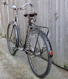 Bicycle Clips, Old Bicycle, Vintage Bicycles, Cars And Motorcycles, Retro Vintage, City, Vehicles, Veil, Frames