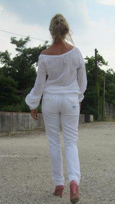 fashion blog for 50+ http://bastonidifashion.blogspot.it/2015/06/nel-mondo-della-moda-il-bianco-e-da.html