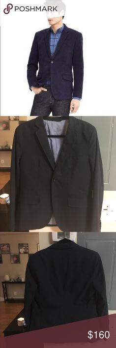 ✨FLASH SALE✨ Banana Republic Men's Navy Blazer This is the navy blazer every guy should have in their closet! Great to dress up or as business casual! Non-Iron Taylor Slim Fit Blazer! Banana Republic Suits & Blazers Sport Coats & Blazers