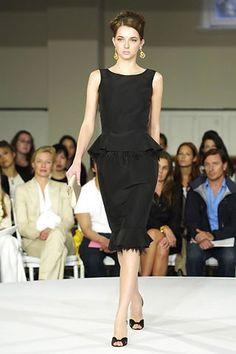 Oscar de la Renta Resort 2008 Fashion Show - Ines Crnokrak