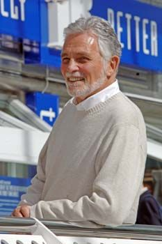 David Hedison. All men should age these well.
