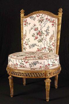 fauteuil la reine du mobilier aux pis de la chambre coucher de marie antoinette au. Black Bedroom Furniture Sets. Home Design Ideas