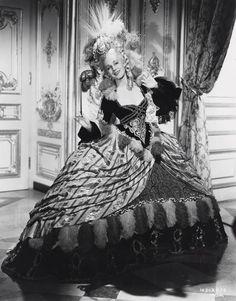"""""""Marie Antoinette"""" (1938)"""