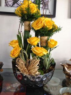 Yellow roses n individual bouquets - lovely! Creative Flower Arrangements, Church Flower Arrangements, Rose Arrangements, Church Flowers, Beautiful Flower Arrangements, Exotic Flowers, Fresh Flowers, Beautiful Flowers, Deco Floral