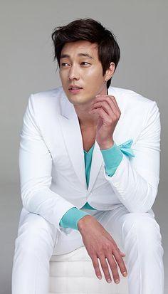 White and aqua. Fresh men's fashion daily... follow http://pinterest.com/pmartinza