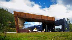 Familien har vært interessert i fjellet, klatring og skisport i generasjoner. I den nye hytta kan naturen også nytes innendørs.