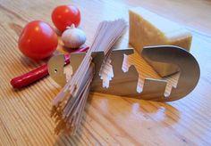 cool spaghetti measuring tool