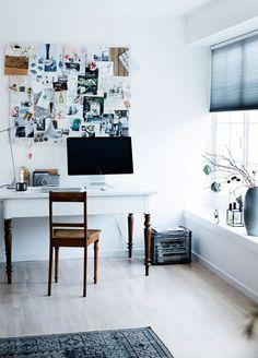 A SECRETÁRIA COM AS PERNAS DIFERENTES <3 Creative xmas home of Danish photographer