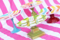 DIY cake/cupcake stand using candlesticks and melamine plates! Bolo Diy, Diys, Diy And Crafts, Arts And Crafts, Cake And Cupcake Stand, Dessert Stand, Diy Cake, Crafty Craft, Crafting