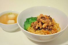 Bakmi GM special Ayam Jamur Lunch Catering, Asian Recipes, Ethnic Recipes, Yummy Recipes, Singapore Food, Indonesian Food, Indonesian Recipes, Yummy Food, Tasty