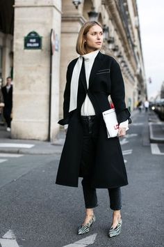 20 Minimalist Looks For When You Don't Know What To Wear