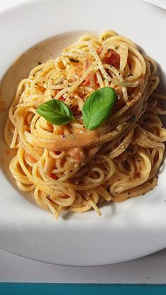 Spaghetti mit Mozzarella - Sauce, ein schönes Rezept mit Bild aus der Kategorie Pasta & Nudel. 116 Bewertungen: Ø 4,1. Tags: Dünsten, Europa, Hauptspeise, Italien, Käse, Nudeln, Pasta, raffiniert oder preiswert