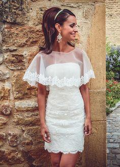 Ludivine Guillot - Robe de mariée sur mesure - Lyon - Courte bustier dentelle cape broderie chic bohème