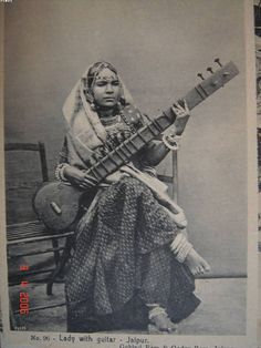 Various Vintage Photographs of Indian Nautch (Dancing) Girls - Old Indian Photos. Photos, early from Gobind Ram & Oodey Ram, Jaipur Old Pictures, Old Photos, Vintage Photographs, Vintage Photos, Archaeological Survey Of India, Colonial India, Vintage India, Asian History, Tribal Women
