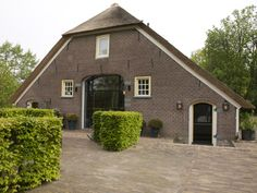 monumentale boerderij Modern Traditional, Holland, Terrace, Ramen, Sweet Home, Shed, New Homes, Outdoor Structures, House Styles