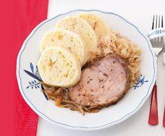Knedlo vepřo zelo   Recepty Albert Hummus, Pork, Food And Drink, Yummy Food, Meat, Ethnic Recipes, Kale Stir Fry, Delicious Food, Pork Chops