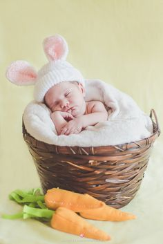 #peppermintstudio #fotografia #photography #ensaio #photoshoot #newborn #baby #menino #boy #bebe #easter #pascoa #rabbit #bunny #coelho
