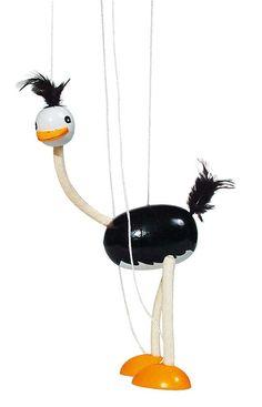 """Marionnette en bois """"autruche"""" - JOUET EN BOIS Marionnette en bois entièrement flexible qui améliore les capacités motrices et aiguise la concentration. Ces animaux sont aussi charmants qu'amusants et permettent de laisser libre cours à l'imagination dans les jeux d'imitation. Cadeau rigolo à PETIT PRIX. ° A partir de : 3 ans ° Dimensions : autruche: H:33cm x l:(env):7cm ° Matériaux : bois/corde"""
