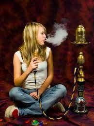 DEVIOUS MAGAZINE: FUMO: ALLARME NARGHILE'